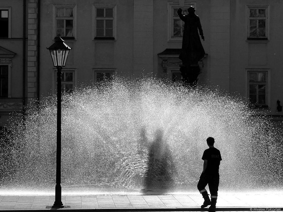 Kraków street photo... kurtyna wodna